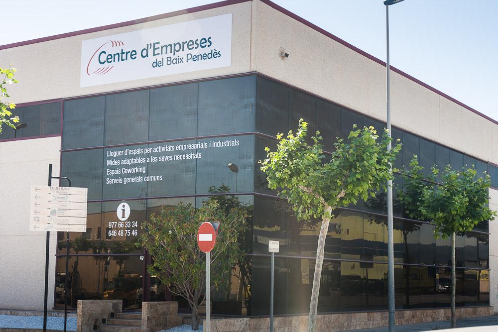 Vivero de empresas en tarragona centre d 39 empreses baix for Viveros en salto